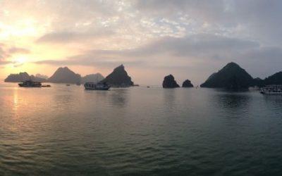 La Baia di Halong…più di 2000 affioramenti calcarei nel nord del Vietnam